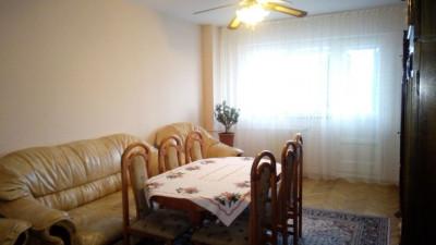 Vanzare Apartament 3 camere  80 mp zona Hotel Golden Tulip!