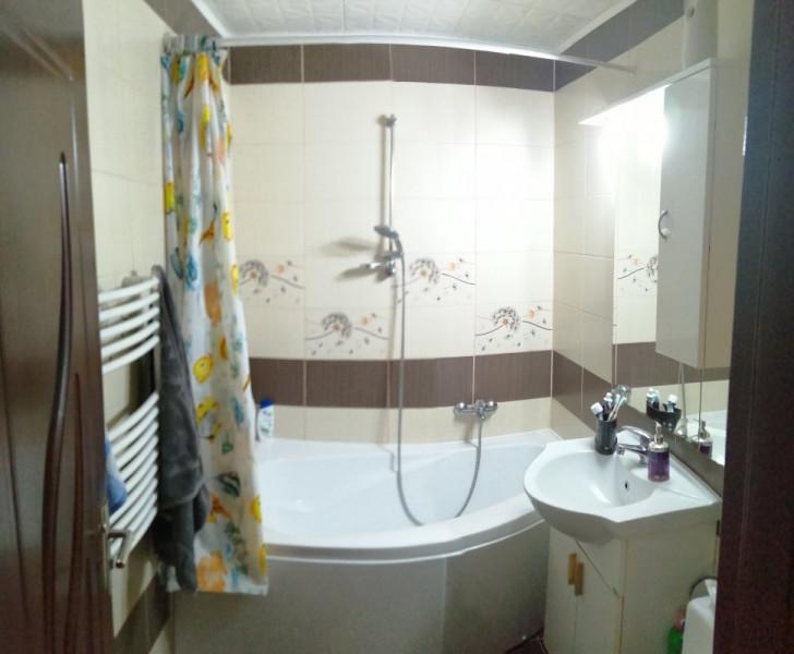Vanzare Apartament 3 camere, Decomandat, 75 mp, zona Sucevei