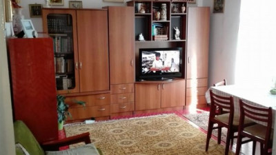 Vanzare Apartament 4 camere 80 mp Parcare zona Sirena Manastur  !