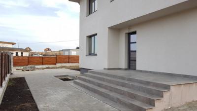 Vanzare Casa Individuala 120 mp utili, 500 mp teren, Front de 50 ml, Chinteni !