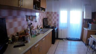 Vanzare Apartament 4 camere, 94 mp, Decomandat, zona Interservisan,