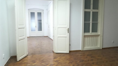 Vanzare Apartament 2 camere 90 mp Etaj Intermediar Terasa 4 mp zona Eroilor !
