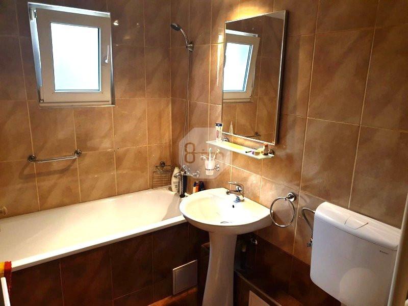 Vanzare Apartament 3 camere, Decomandat, 65 mp, zona Profi Zorilor
