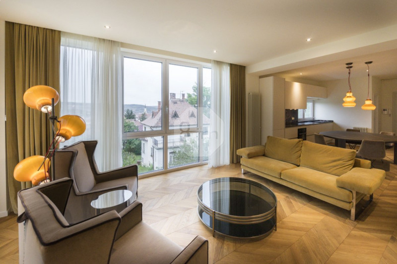 Vanzare Apartament 2 camere, 82 mp, Etaj Intermediar, zona Gradinii Botanice