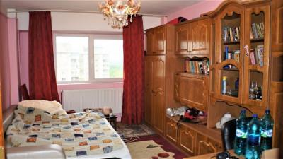 Vanzare Apartament 2 camere, Decomandat, 49 mp, zona Iulius Mall