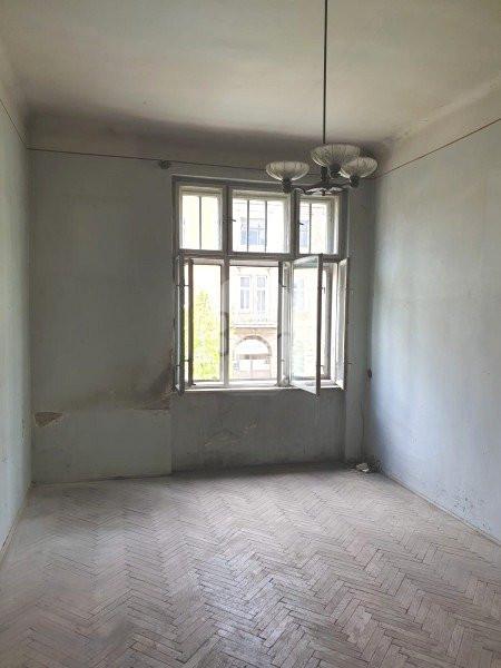 Vanzare Apartament 3 camere, Decomandat, 98 mp, Zona Strazii Horea