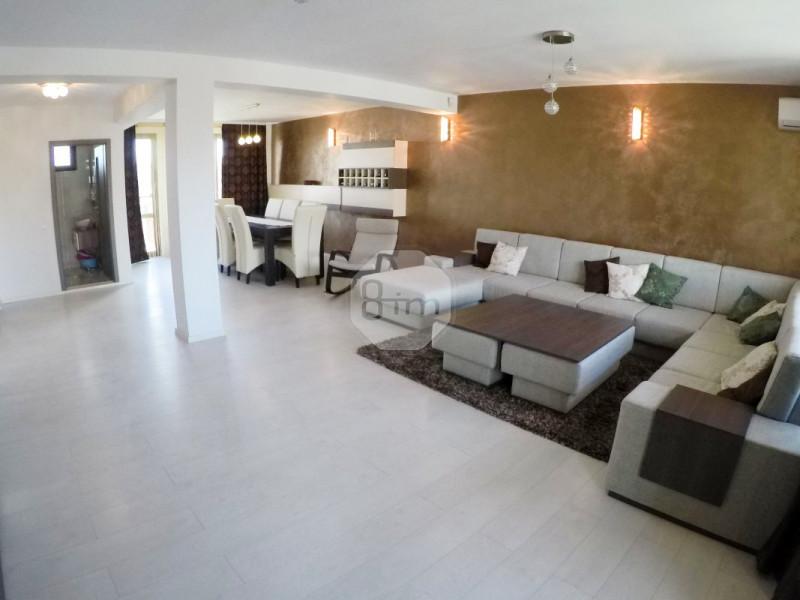 Vanzare Penthouse 4 camere, 176 mp, 3 locuri de parcare, Zona Borhanci