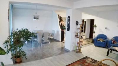 Vanzare Apartament 4 camere, Decomandat, 107 mp, zona Parcului Calvaria