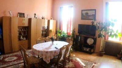 Vanzare Apartament 2 camere, Decomandat, 81 mp, zona Calea Motior