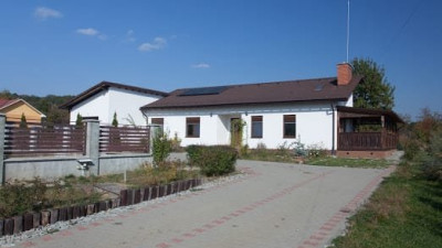 Vanzare Casa Individuala, 5 camere, 220 mp, teren 1.100 mp, zona Centurii!
