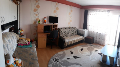Vanzare Apartament 1 camera, Decomandat, 34 mp, Etaj Intermediar, zona Subcetate