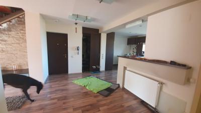 De Inchiriat Apartament 6 camere,  120 mp, zona Padurii!
