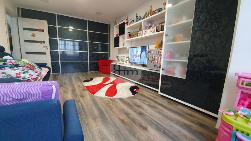Vanzare Apartament 2 Camere, Decomandat, 50mp, Etaj Intermediar, Zona Muresului!