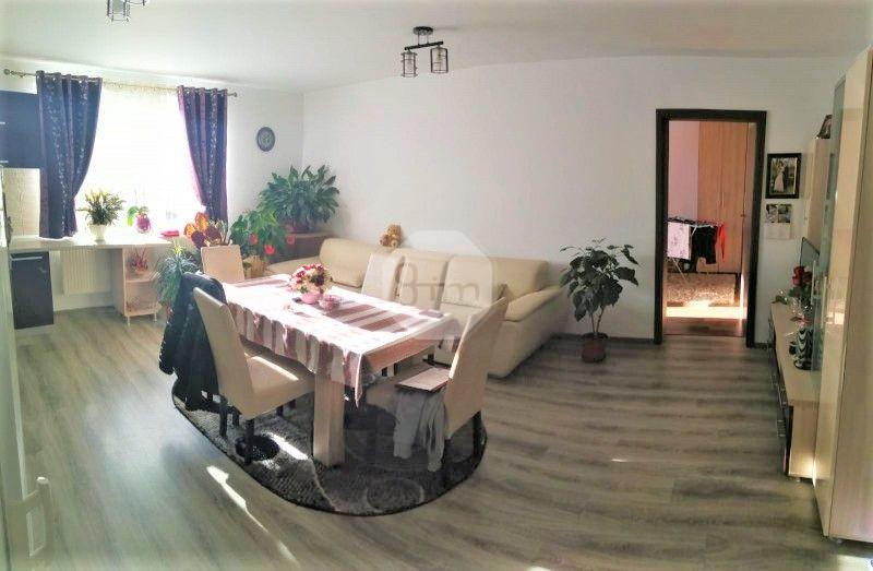 Vanzare Apartament 3 Camere, Decomandat, 64 mp, Parcare, Zona Unirea!
