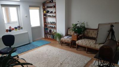 Vanzare Apartament 3 Camere, Decomandat, 90 mp, Zona Independentei!