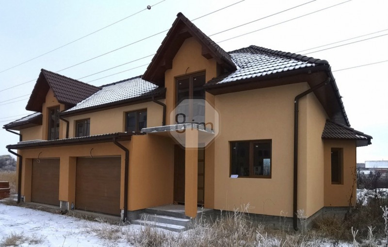 Vanzare Duplex, 4 Camere, 120 mp , 2800 mp teren, Zona Centura