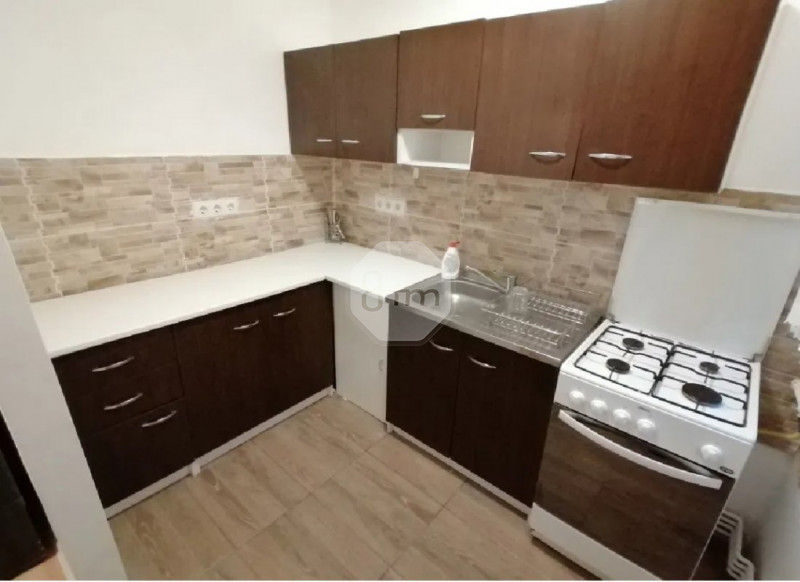 Apartament 1 Camera, Decomandat, 32 mp, Zona Str. Parang!