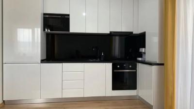 Vanzare Apartament, semidecomandat, 3 Camere, 63 mp, Zona Aurel Vlaicu !