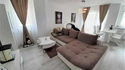 Vanzare Apartament, Decomandat, 3 Camere 74 mp si Parcare, Zona P-ta 1 Mai !