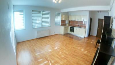 Vanzare Apartament Semidecomandat   3 Camere   67 mp   Zona Lidl !