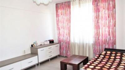 Vanzare Apartament Semidecomandat, 2 Camere, 47 mp, Zona Iulius Mall !