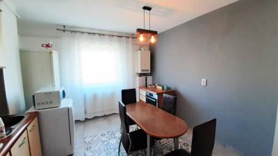 Vanzare Apartament 3 Camere, Decomandat, 68 mp, Zona Iulius Mall