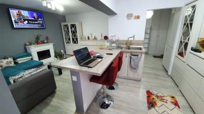 Vanzare Apartament, Semidecomandat, 2 Camere,47 mp, Zona Stadion CFR !