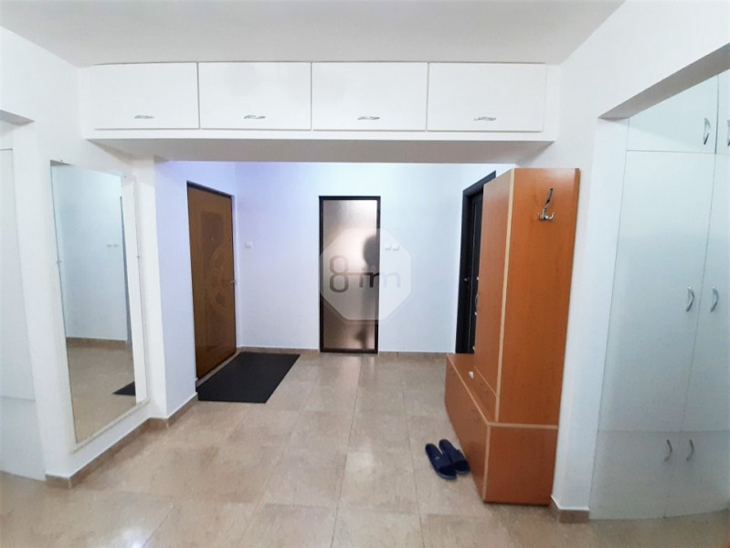 Vanzare Apartament Semidecomandat, 4 Camere, 81 mp, Zona Expo Transilvania !