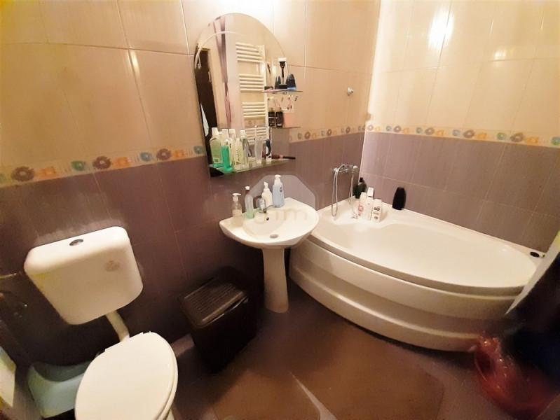 Vanzare Apartament, Decomandat, 2 Camere, 46 mp, Zona Alverna !