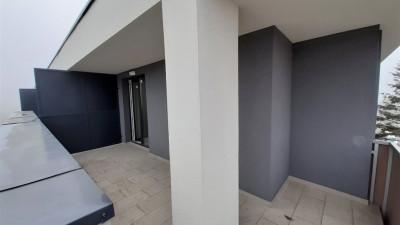 Vanzare Apartament 2 Camere, Semidecomandat, 48 mp, Zona Pod Ira !
