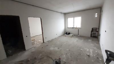 Vanzare Apartament 3 Camere, Semidecomandat, 62 mp, Zona Pod Ira !