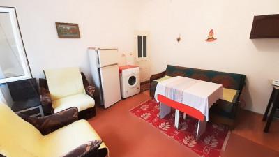 Apartament la Vila, 1 Camera, Semidecomandat, 17 mp, Zona Clujana !
