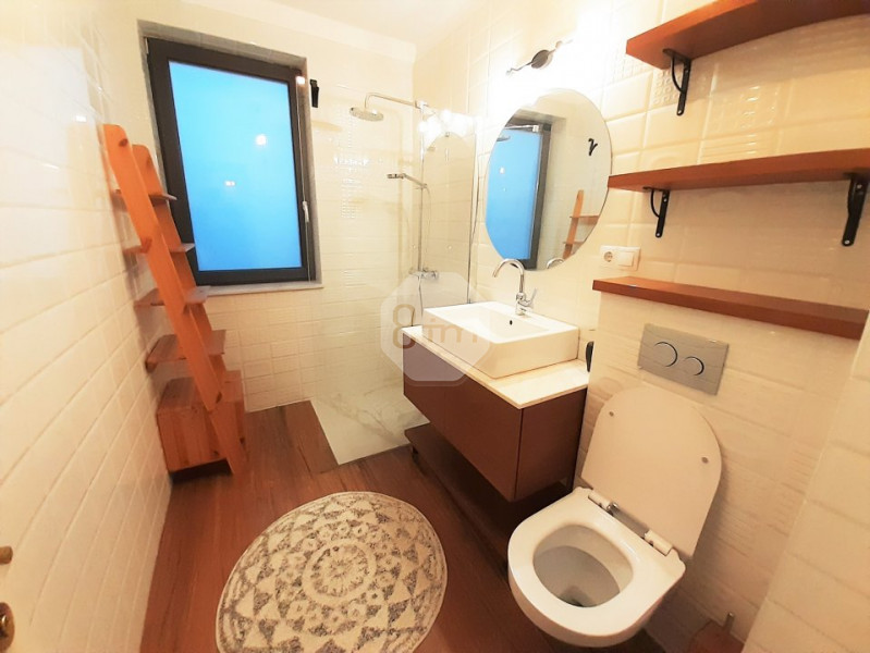 Inchiriere Apartament 2 Camere, Semidecomandat, 52 mp, Zona Fsega !