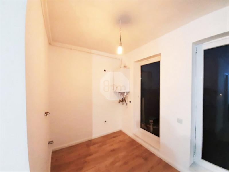 Vanzare Apartament 2 Camere, Semidecomandat, 50 mp, Zona Piata Mihai Viteazu !