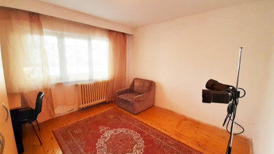 Vanzare Apartament 2 Camere, Decomandat, 54 mp, Zona BRD !