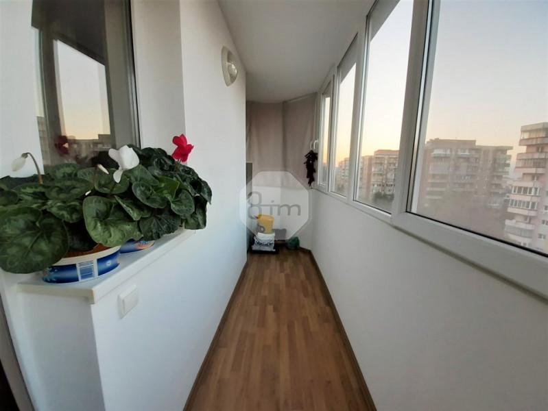 Vanzare Apartament 3 Camere, Decomandat, 70 mp, Zona Str. Aurel Vlaicu !