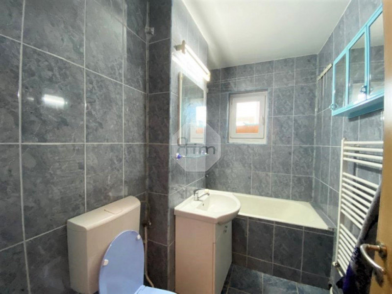 Vanzare Apartament 2 Camere, Semidecomandat, 49 mp, Zona Calvaria !
