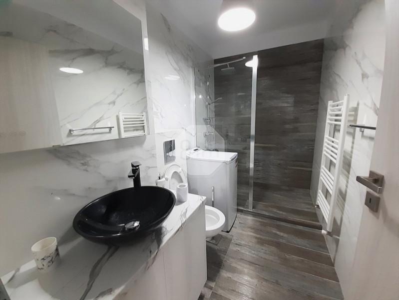 Inchiriere Apartament, Decomandat, 2 Camere, 54 mp, Zona Iulius Mall !
