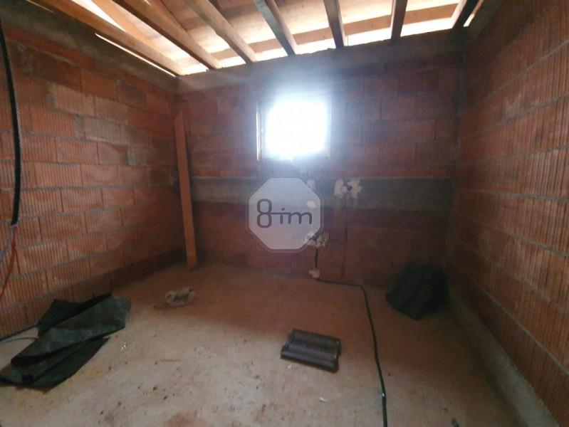 Casa individuala cu panorama de poveste, intr-o zona privata.