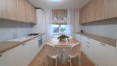 Vanzare Apartament 3 Camere, Decomandat, 79 mp, Zona Dorobantilor