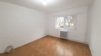 Vanzare Apartament Decomandat, 3 Camere, 70.55 mp, Zona Camine Studentesti !