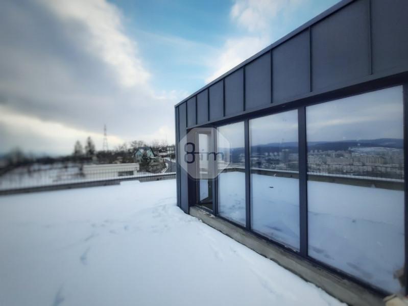 Duplex de lux 172mp utili, 140mp terase si panorama inegalabila asupra orasului.