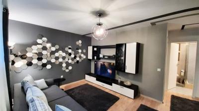 Vanzare Apartament Decomandat, 2 Camere 43.8 mp, Zona Strazii Bibescu !