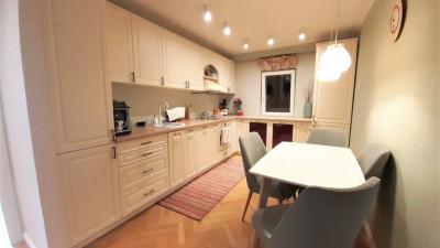 Vanzare Apartament Decomandat, 3 Camere, 65 mp, Zona Titulescu !