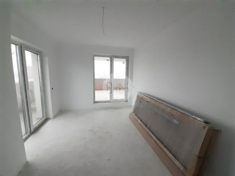 Vanzare Apartament, Decomandat, 2 Camere, 55 mp+29 mp terasa, Zona Pod IRA !