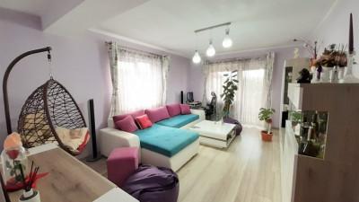 Vanzare Apartament, Decomandat, 2 Camere, 57 mp, Zona Pod IRA !