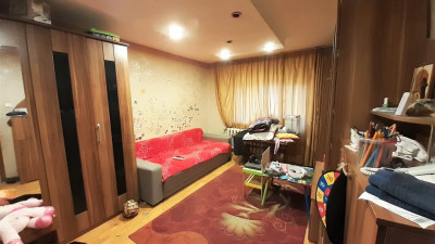 Vanzare Apartament, Decomandat, 3 Camere, 66 mp, Zona Interservisan !