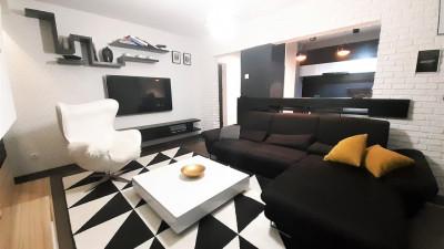 Vanzare Apartament, Decomandat, 3 Camere, 74 mp, Zona Aurel Vlaicu !