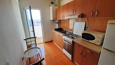 Vanzare Apartament Semidecomandat, 2 Camere, 38 mp, Zona Oasului !