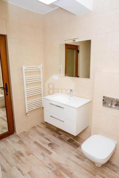 Vanzare Apartament, Semidecomandat, 2 Camere, 51 mp, Zona Strazii Fabricii !